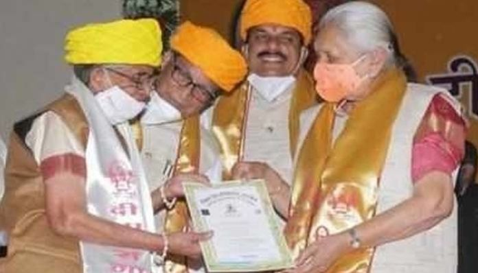 Ujjain woman Shashikala Ideal grandmother .. PhD at the age of 80 - Prime Time Zone daily (Prime Time Zone): Latest Telugu News    Breaking news