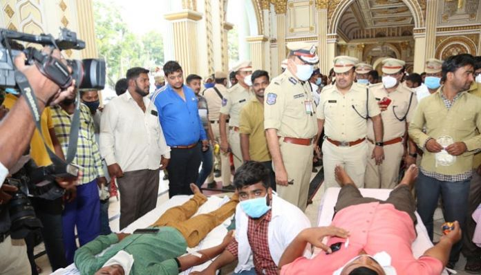 auto drivers, donated blood