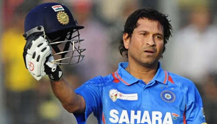 sachin That legendary cricketer made history today ..!